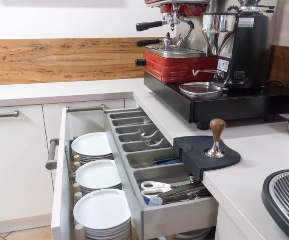 Geschirr-Besteck-Kaffee